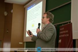Artykuły prasowe o profesorze Krzysztofie Frączku z UMK - tegorocznym laureacie Nagrody Głównej PTM im. Stefana Banacha